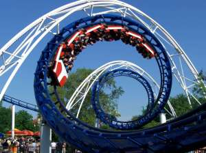 Corkscrew_(Cedar_Point)_01