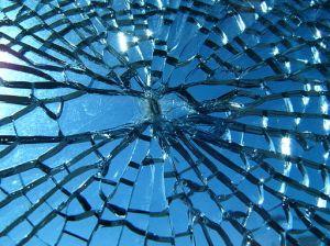 512px-Broken_glass
